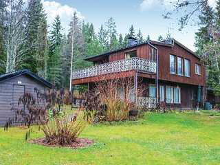 Awesome home in Hollola w/ Sauna, WiFi and 5 Bedrooms