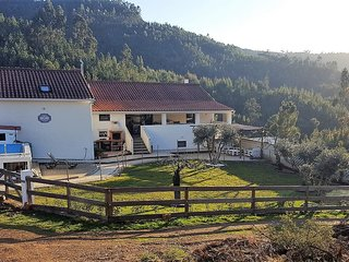 Self-contained Quintinha, on a secluded farm. 500m off Route N2.
