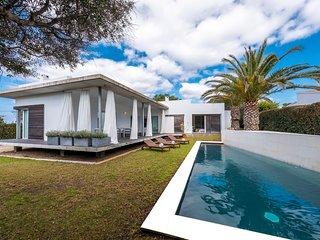 LA PERLA BLANCA DE BINIBECA - Alojamiento Especial para 9 personas con piscina