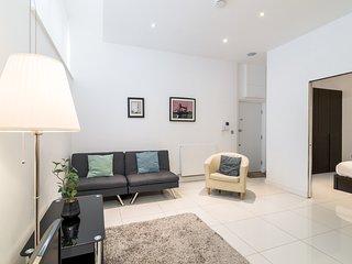 Modern 1BR Home in Kings Cross! 3 guests