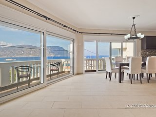 Lux Sea View Apartment