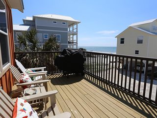 Luxury home, Beautiful oceanviews, Hot Tub, Fire Pit