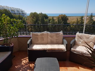 3 bedrooms 2 bathrooms sea view, a/c, jacuzzi