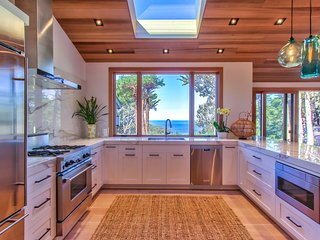 Modern Luxury in Carmel Highlands~ Available for US Open and Concours d'Elegance
