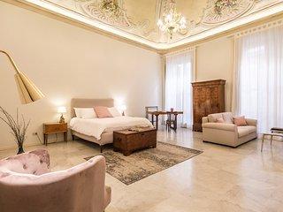 Casa degli affreschi a Palazzo Lungarini by Wonderful Italy