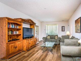 528SVD. Convenient Disney Area 5 Bed 3 Bath Pool Home