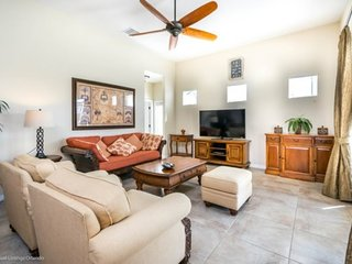 328YSD. Lovely Watersong 5 Bedroom Pool Home with a Games Room