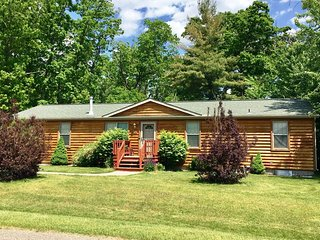 Peppers Place at Spring Brook Resort | Cozy Retreat In Wis Dells | Resort Access