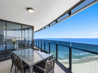 GCHR Esplanade (Soul) Apt 3001 - 3 BR Level 30 (1K+1 Q + 2S+up to 2 extras for a