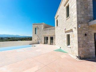 Villa Iasion, Panormos Villas