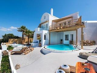 Summer Lovers Villa Private Pool | Private Spa | Panoramic Caldera View