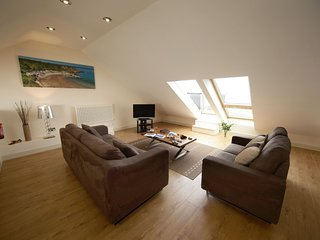 Stables 2 - The Stables 2 - Exclusive 5* 1 bedroom stone cottage. Balcony window