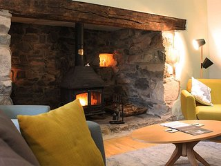 The Farmhouse - The Farmhouse - A stunning 4 bedroom traditional stone farmhouse