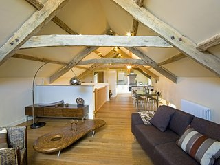 The Threshing Barn - The Threshing Barn – Exclusive 3 bedroom stone cottage, lux