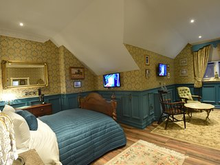 Aston Tavern Boutique Hotel- Family Room. 1 Double 2 Singles