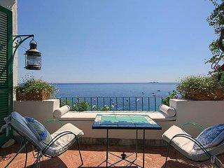 Positano Villa Sleeps 8 with Air Con and WiFi - 5778979