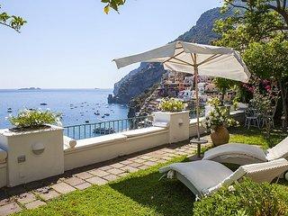 4 bedroom Villa with Air Con and WiFi - 5778979