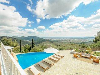 Colonia de Sant Jordi Villa Sleeps 10 with Pool and Air Con - 5778989