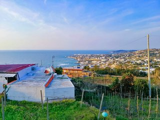 PRIVATE VILLA IN THE HEART OF ISCHIA | SEAVIEW | BBQ | GARDEN | ONE FLOOR |