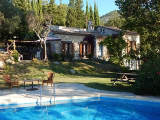 JDV Holidays Villa Sapin - two bedrooms, rustic, private pool & lovely views