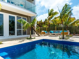 Bonaire Luxury Villa w pool