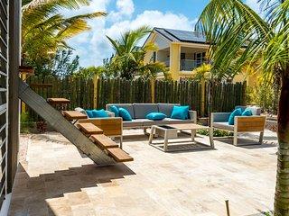 Bonaire Luxury Villa w pool
