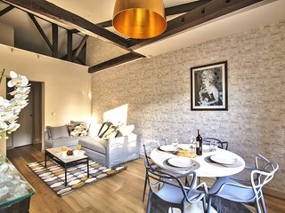 Exceptional apartment Champs Elysees (1625)