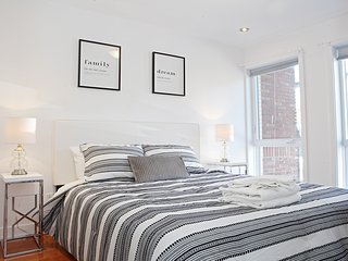 All New Great Location! 3Bdr | Plateau Mont Royal