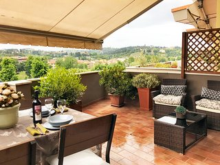 Penthouse, Terrace Amazing Views, Garage, Central, 6 floor Lift, 2Bd 2Ba
