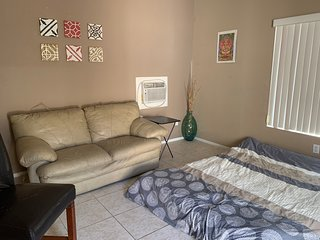 Apartment in Beautiful Palm Springs available for Coachella and Stagecoach!!!..