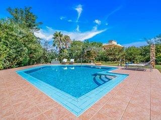 Beach at 100mt★ Walk to Taverna & Grocery★ Seaview★ Private Pool & Large Garden