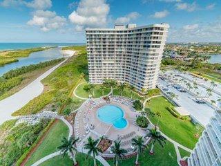 Beachfront, Spectacular Gulf View w/WiFi & Heated Pool; Walk to World Class Shel