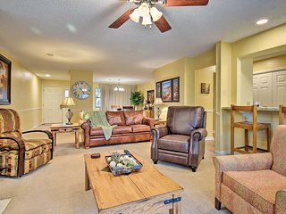 NEW! Hot Springs Emerald Isle Resort Condo on Lake