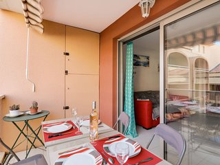 1 bedroom Apartment with Air Con, WiFi and Walk to Beach & Shops - 5778335