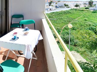 2 bedroom Apartment with Air Con, WiFi and Walk to Beach & Shops - 5715677