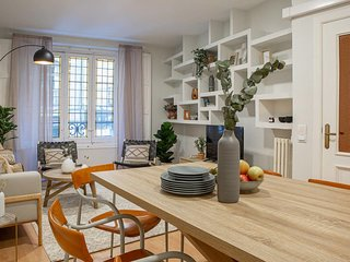 Stylish & Trendy 3 Bed Flat in Chueca