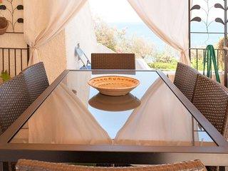 1 bedroom Villa with Walk to Beach & Shops - 5605114