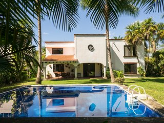 Private House for 14 people - Near Cancun Airport
