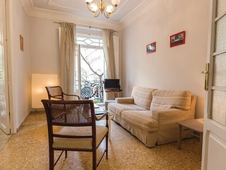 Awesome apartment in Valencia w/ WiFi and 4 Bedrooms