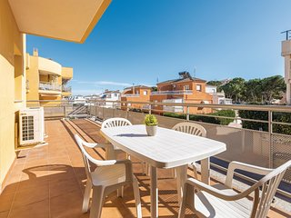 Amazing apartment in Oropesa w/ WiFi, Outdoor swimming pool and 2 Bedrooms
