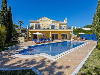 Luxury Vale do Lobo villa, large heated pool, Wi-Fi, walking distance to beach