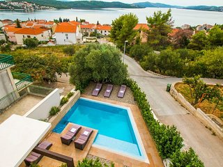 Elegant villa Vena with swimming pool - EOS-CROATIA