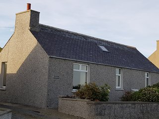 Glenduron, Holm, Orkney, cottage with views of the Famous Scapa Flow