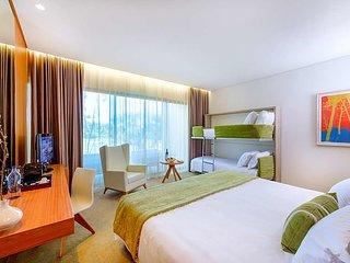 Oitavos Villa Sleeps 4 with Pool and Air Con