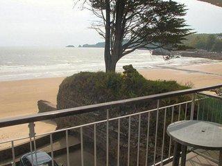 Beach Court 25