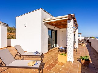 Wonderful penthouse with sea view in La Cala Ref 64