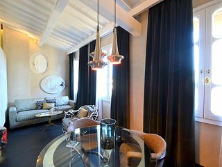 Oltrarno Villa Sleeps 3 with Air Con and WiFi - 5778980