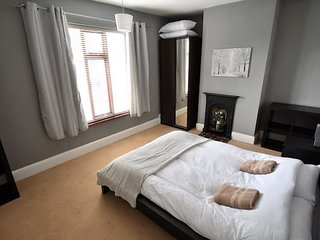 Coventry City Centre 1.3 Miles Away- Sleeps 6 (LA)