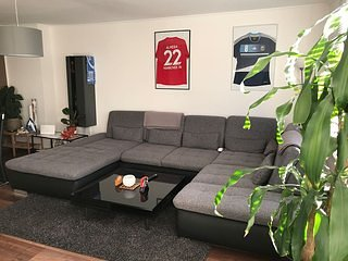 3 Rooms Apartment, Central, Modern, WIFI & Sky, Ferienwohnung in Schellerten