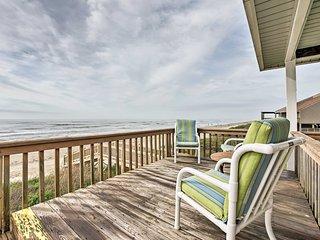 Beautiful Beachfront Galveston Home w/ Deck!